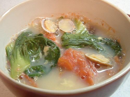 あさりとトマトのスープ